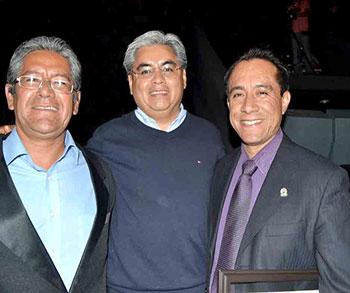 Tres premios estatales de Ciencia y Tecnología en la categoría de Divulgación de la Ciencia: Dr. Aarón Pérez Benítez (2010, FCQ-BUAP), Dr. Raúl Mújica García (2012, INAOE) y Dr. Miguel Ángel Méndez-Rojas (2013, UDLAP)