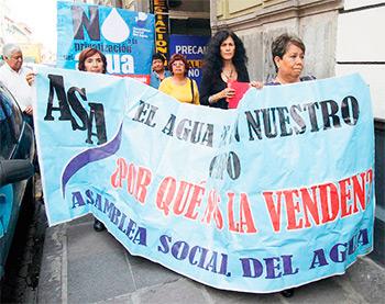 Imagen tomada de http://aguaparatodos.org.mx/emplazan-adiputados- responder-sobre-iniciativa-de-ley-de-agua/