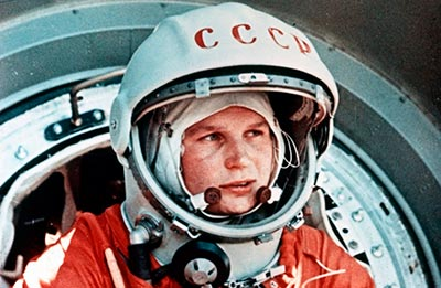 Valentina Tereshkova, tomada de https://hipertextual.com/files/2015/10/Valentina-Tereshkova-1500x977.jpg