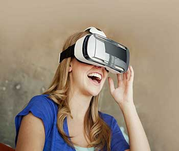 Realidad virtual, imagen tomada de http://s.libertaddigital.com/fotos/noticias/sam- sung-gear-vr.jpg