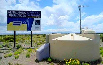 Una de las estaciones del arreglo de superficie del Observatorio Pierre Auger.