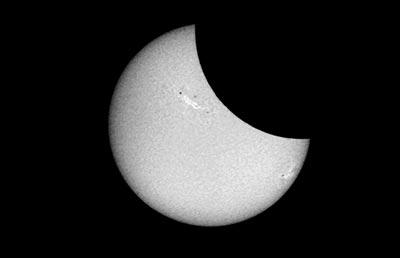 · Imagen del eclipse parcial de Sol del 21 de agosto de 2017 obtenida con el Telescopio Solar del INAOE en Tonantzintla