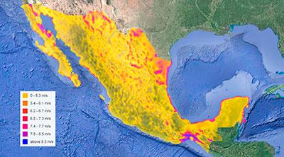 Mapa 2. Regiones de nuestro país con velocidades promedio del viento susceptibles para producir energía. Obsérvese el gran potencial en el istmo de Tehuantepec, en el litoral del Golfo de México y en la península de Baja California. Hoy día solamente se aprovecha una mínima parte del potencial con que cuenta México, y han surgido múltiples problemas sociales y ambientales debido al abuso que se ha hecho en los lugares donde se han instalado los parques eólicos. Fuente: IRENA, 2018.