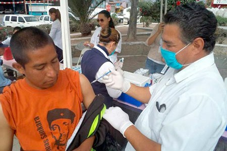 Imagen tomada de: https://frontera.info/EdicionEnLinea/Notas/Noticias/12082013/740219-Realizan-feria-de-la-salud-para-migrantes.html